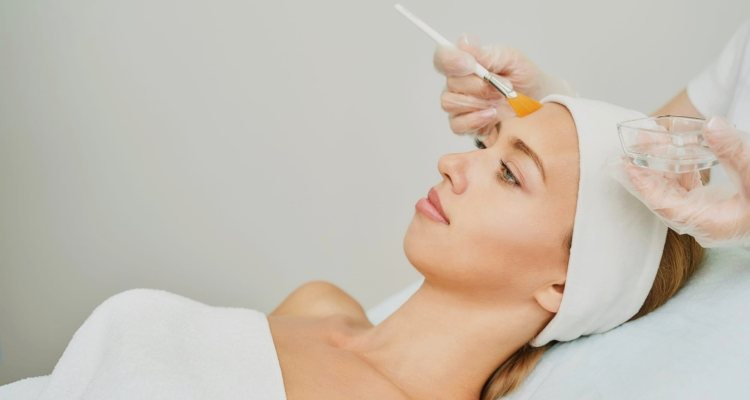 Why Work With Licensed Dermatologists For Your Chemical Peels